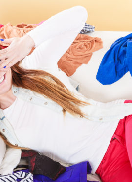 FALL CLEANING: 4 TYPES OF CLOTHES YOU NEED TO LET GO!